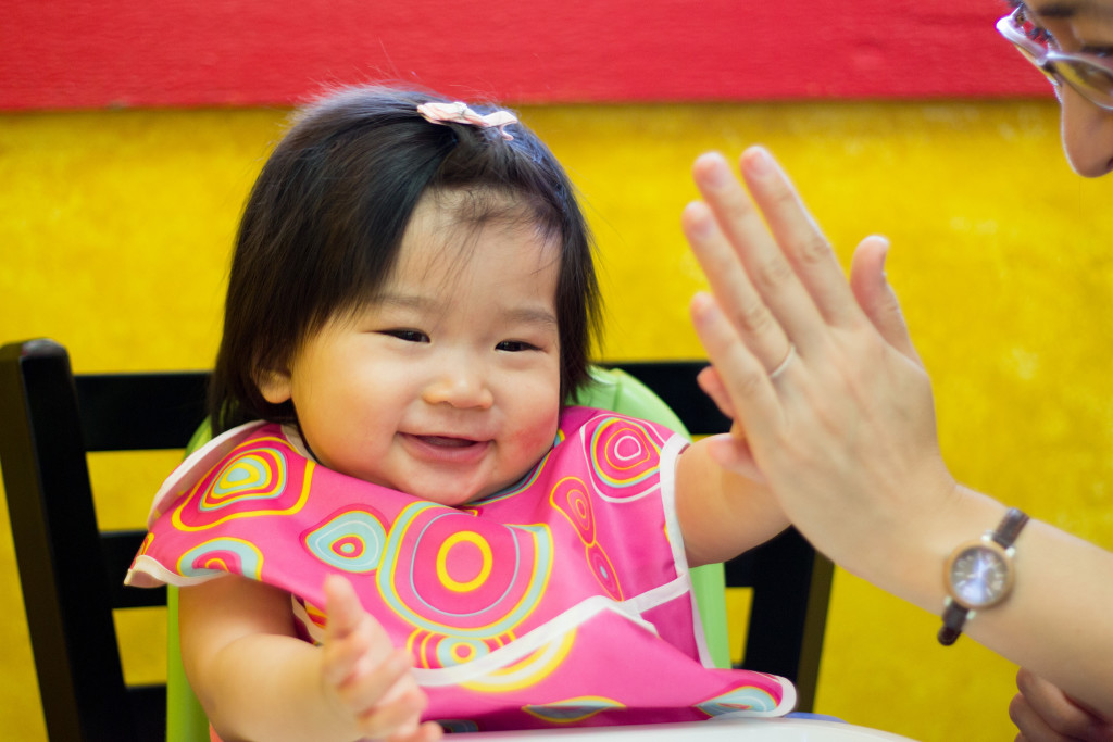 And... wabam high five to Mommy!
